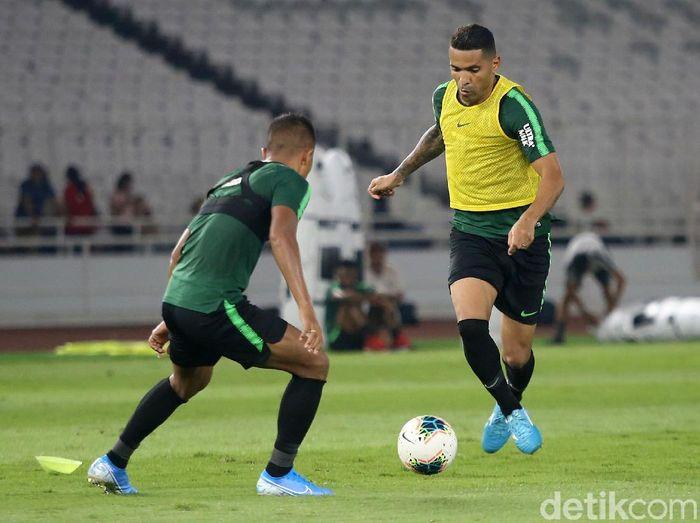 Timnas Indonesia diminta mewaspadai serangan balik Malaysia dalam laga kualifikasi Piala Dunia 2022 (Agung Pambudhy/detikSport)