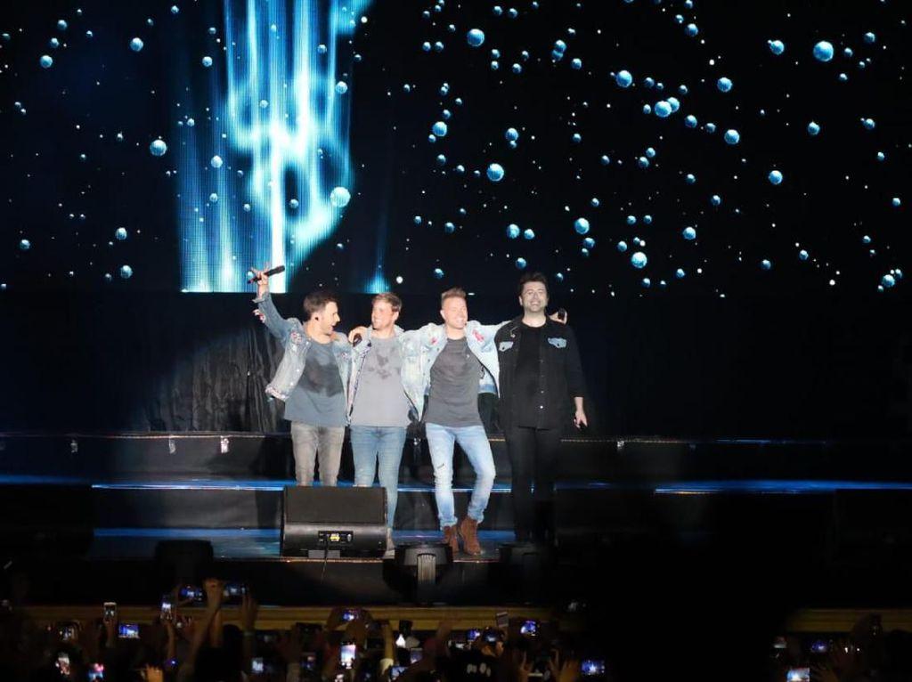 Sam Poo Kong Semarang Jadi Penutup Tur Konser Westlife