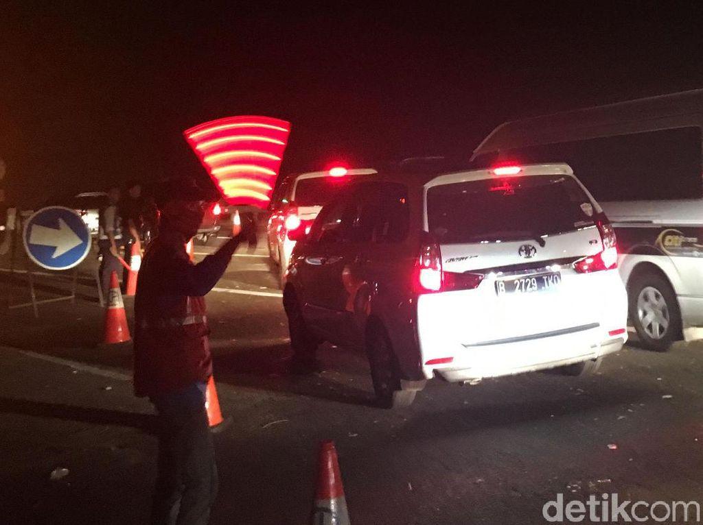 Contraflow Diberlakukan di Lokasi Kecelakaan Maut Cipularang