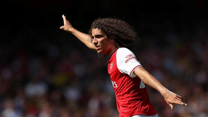 Soccer Football - Premier League - Arsenal v Burnley - Emirates Stadium, London, Britain - August 17, 2019  Arsenals Matteo Guendouzi gestures   Action Images via Reuters/Peter Cziborra  EDITORIAL USE ONLY. No use with unauthorized audio, video, data, fixture lists, club/league logos or