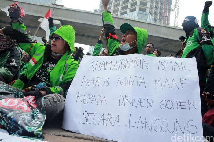 Suasana demo Gojek di Kedubes Malaysia. Foto: Ari Saputra