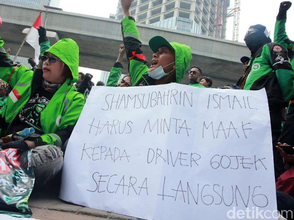 Tuntutan Lengkap Massa Driver Gojek di Kedubes Malaysia