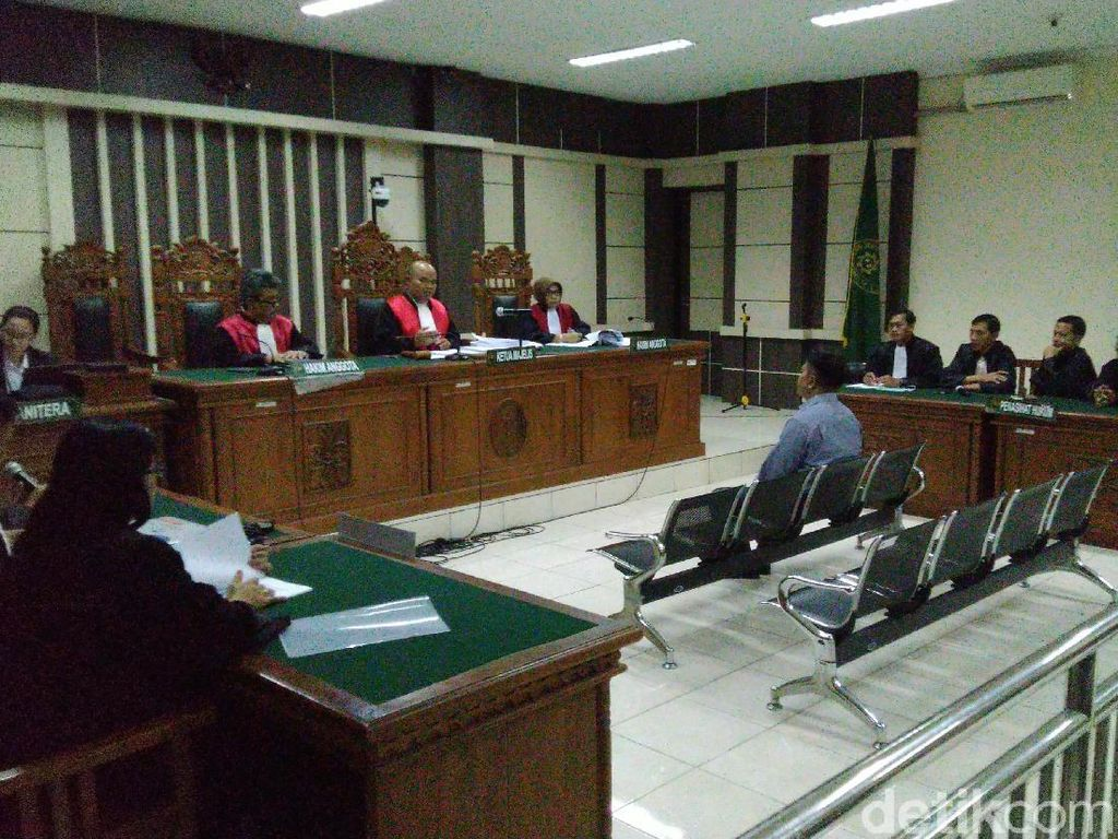 Hakim Lasito Divonis 4 Tahun Bui Terkait Suap Bupati Jepara