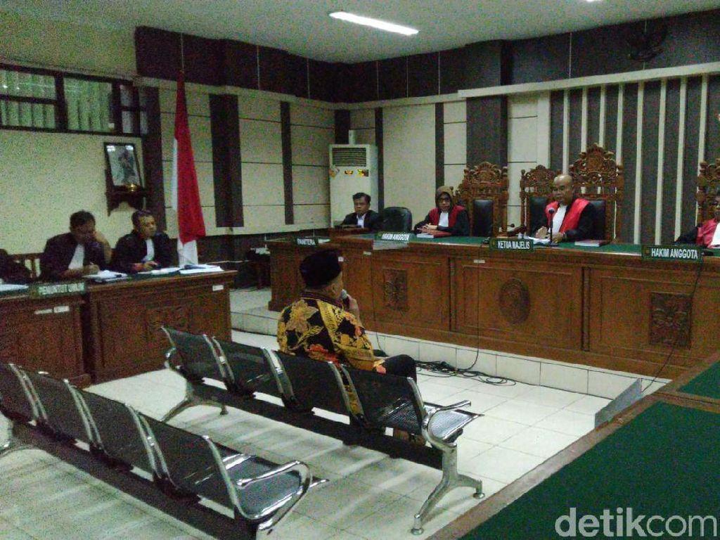 Kasus Suap Praperadilan: Bupati Divonis 3 Tahun, Hakim 4 Tahun