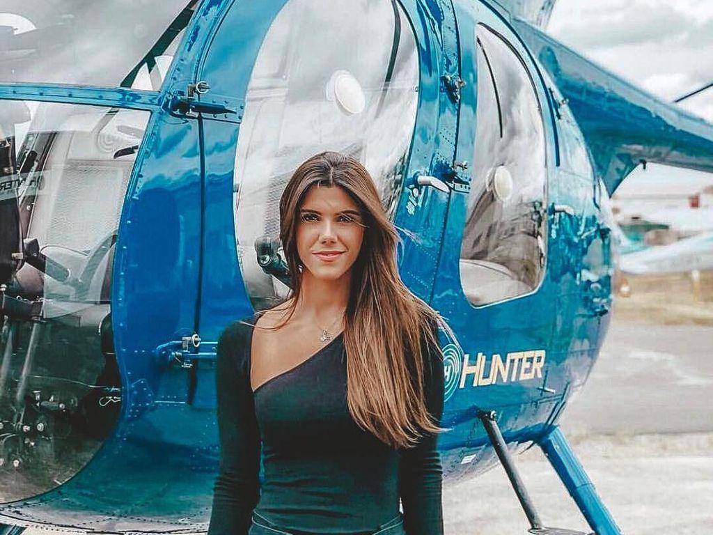 Foto: Liburannya Pilot Helikopter Cantik, Luana Torres