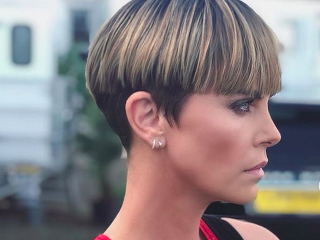 Penampilan Charlize Theron Kembali Antagonis di Fast 9