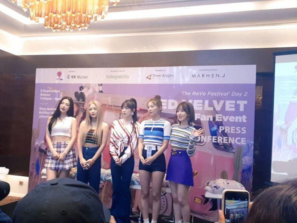 Cerita Bahagia ReVeluv Ketemu Red Velvet di Fan Sign