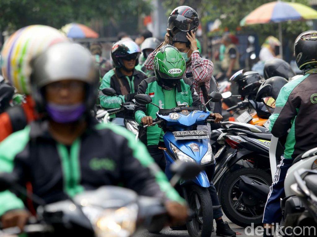Hari Ini Kemenhub-Driver Ojol Kumpul Bareng Bahas Tarif, Naik Atau Nggak?