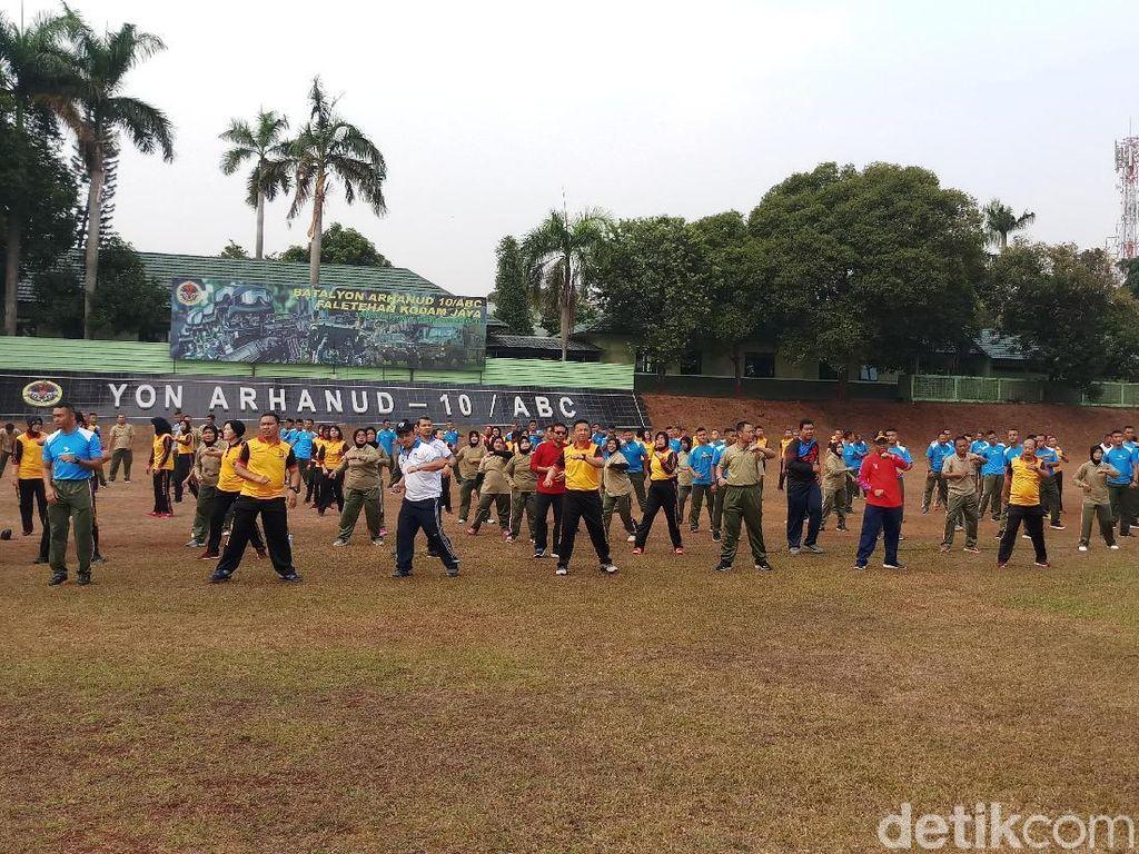 Tingkatkan Sinergi, Personel TNI-Polri di Jaksel Kompak Olahraga Bareng