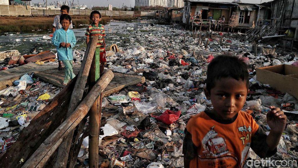 Jorok! Lautan Sampah Kepung Kampung Bengek Jakut