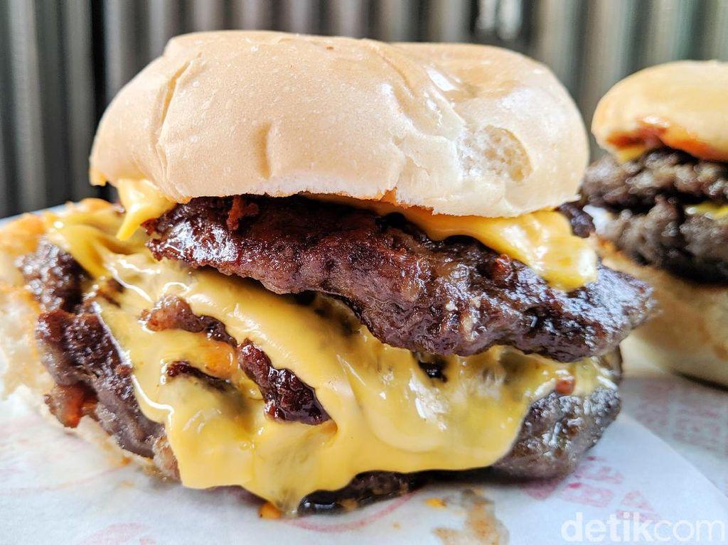 Burger Bener Suguhkan Burger Beneran Seharga Rp 13 Ribu