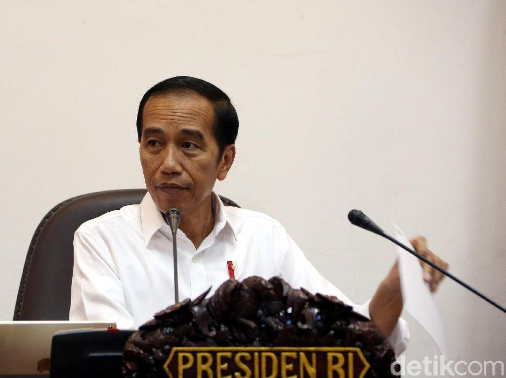 Jokowi ke Jajaran Menteri: Jangan Kayak Pejabat Minta Dilayani!