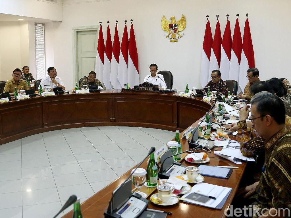Jokowi Kumpulkan Menteri Bahas Industri 4.0