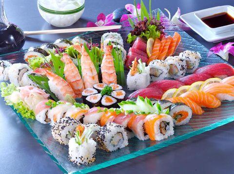 Risiko Mengonsumsi Sushi untuk Ibu Menyusui