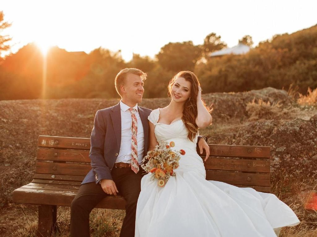 Pasangan Viral yang Jatuh Cinta Lagi Setelah Hilang Ingatan