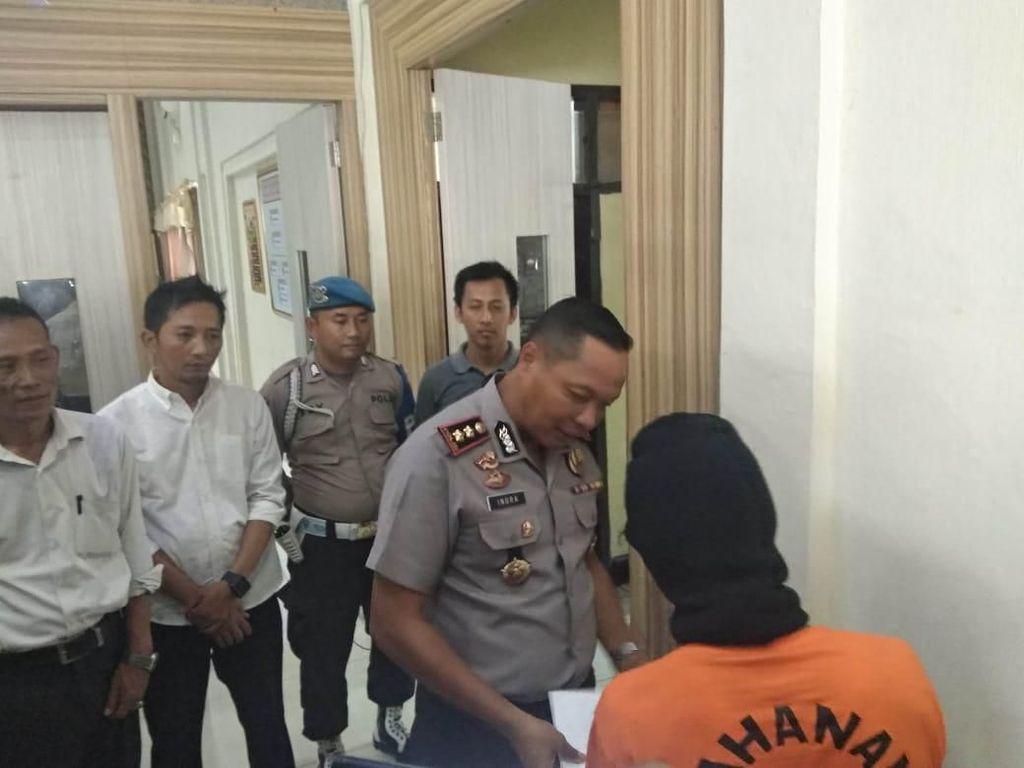 Peras Petugas Kecamatan, Oknum Wartawan di Pandeglang Ditangkap