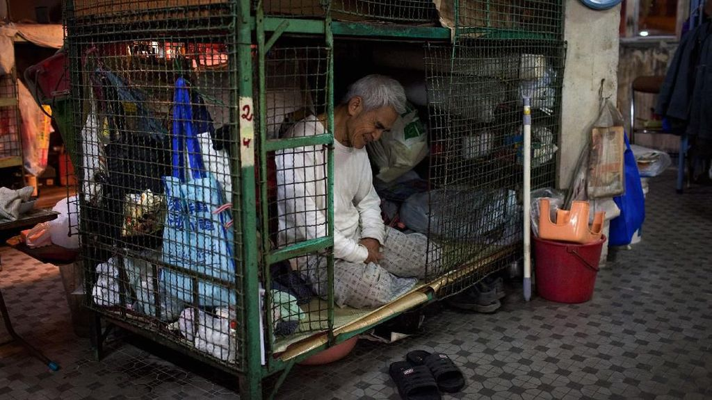 RI Punya Kos-kosan 2x1, di Hong Kong Ada Rumah Kandang