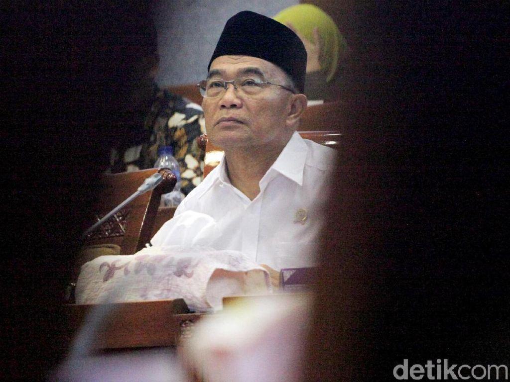 Mendikbud Bahas Anggaran Bareng Komisi X DPR