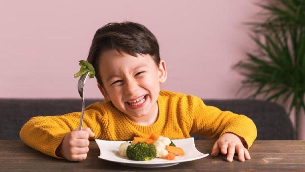 Nonton Acara Masak Bentuk Kebiasaan Makan Sehat Anak Kok Bisa