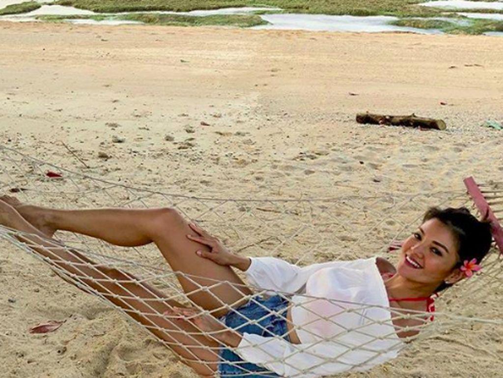 Foto: Cantiknya Farah Quinn Saat Liburan ke Lombok