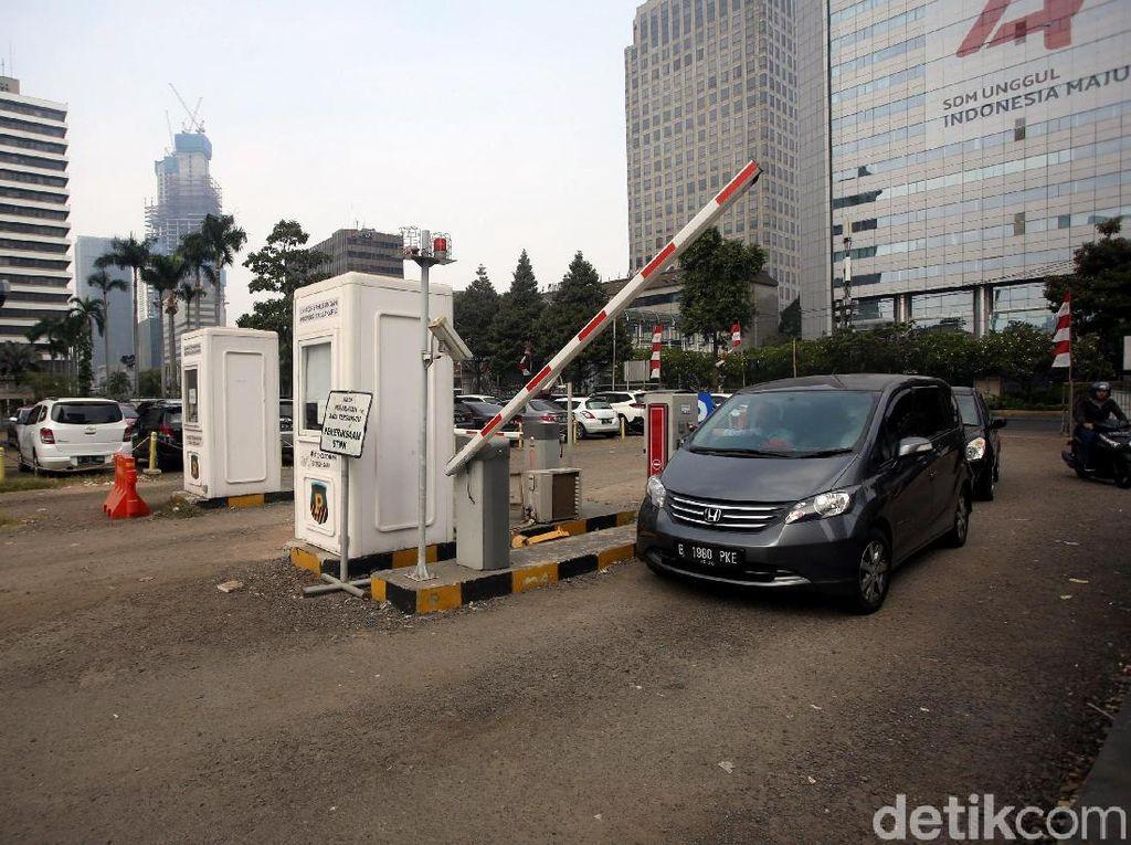 Suara Warga soal Penutupan Park and Ride MH Thamrin