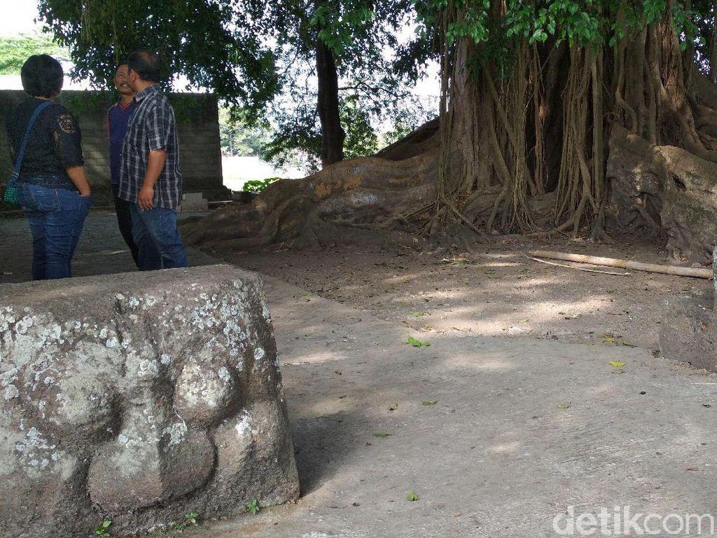 Dua Arca Kepala Kala Juga Ada di Punden Joko Pangon Blitar