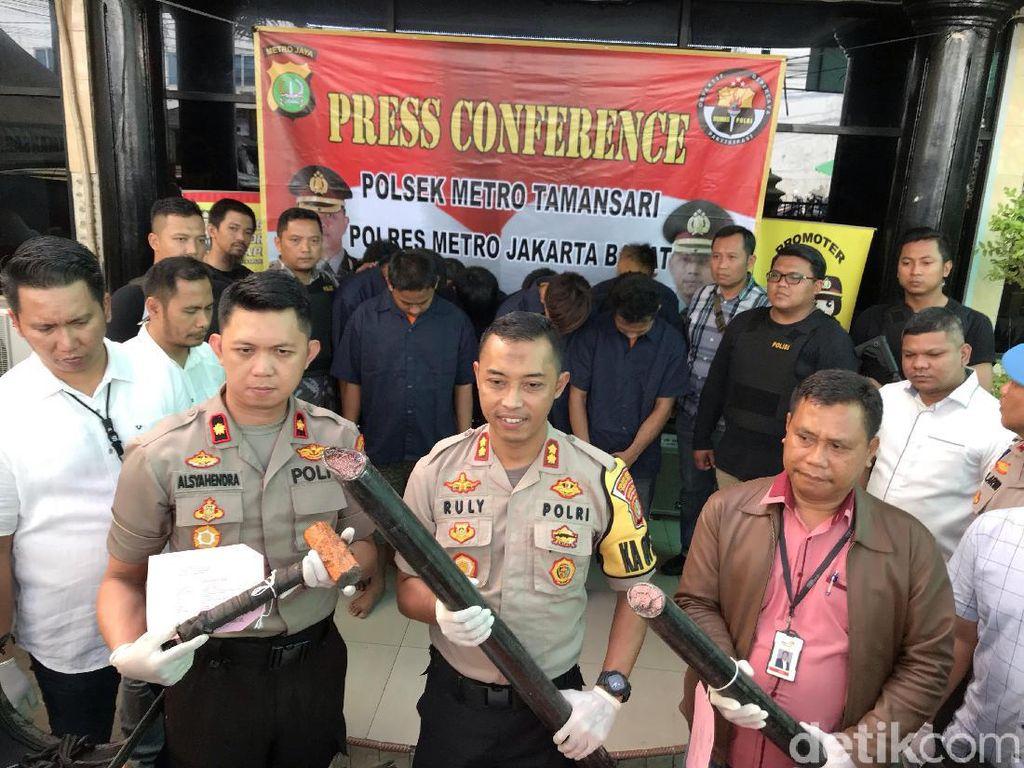 Polisi Tangkap 10 Pencuri Kabel Telkom di Mangga Besar