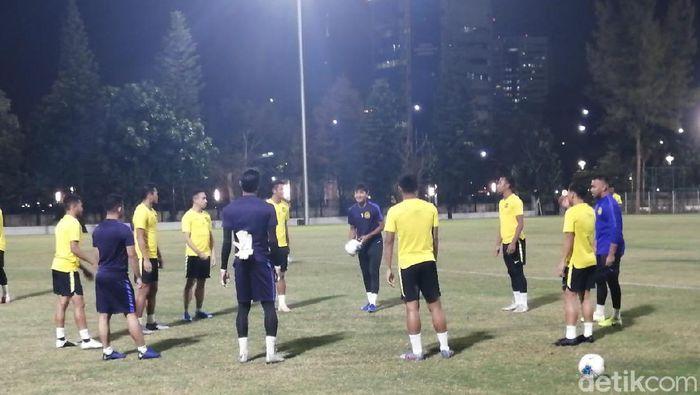 Timnas Malaysia berlatih di SUGBK. (Mercy Raya/detikSport)