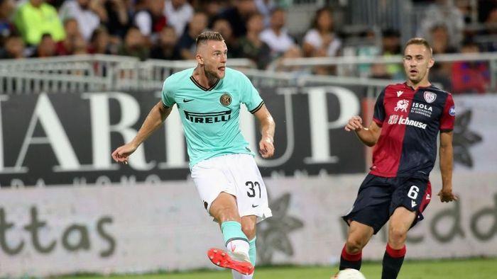 Manchester City dikabarkan mengincar Milan Skriniar di bursa transfer Januari (Foto: Enrico Locci/Getty Images)