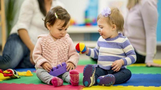 Ilustrasi pendidikan sensorik dalam montessori