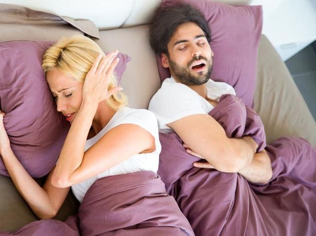Sering Ngorok Saat Tidur? Sebaiknya Hindari Konsumsi 5 Makanan Ini