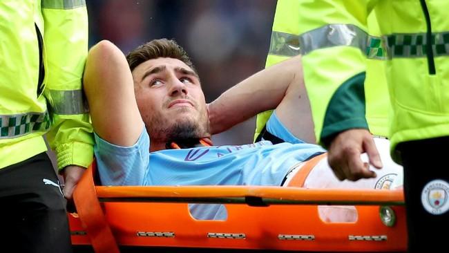 Aymeric Laporte mengalami cedera lutut dan harus dioperasi (Foto: Jon Super/Reuters)