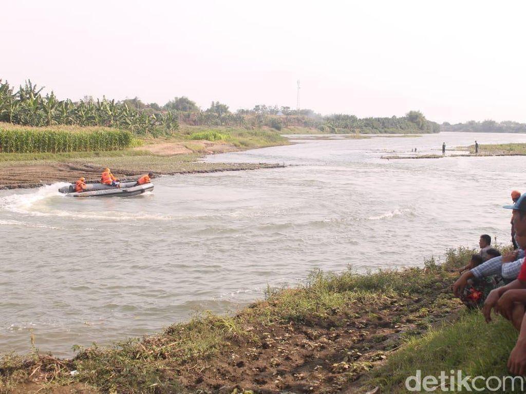 Seberangi Sungai, Seorang Pemancing Hilang Tenggelam