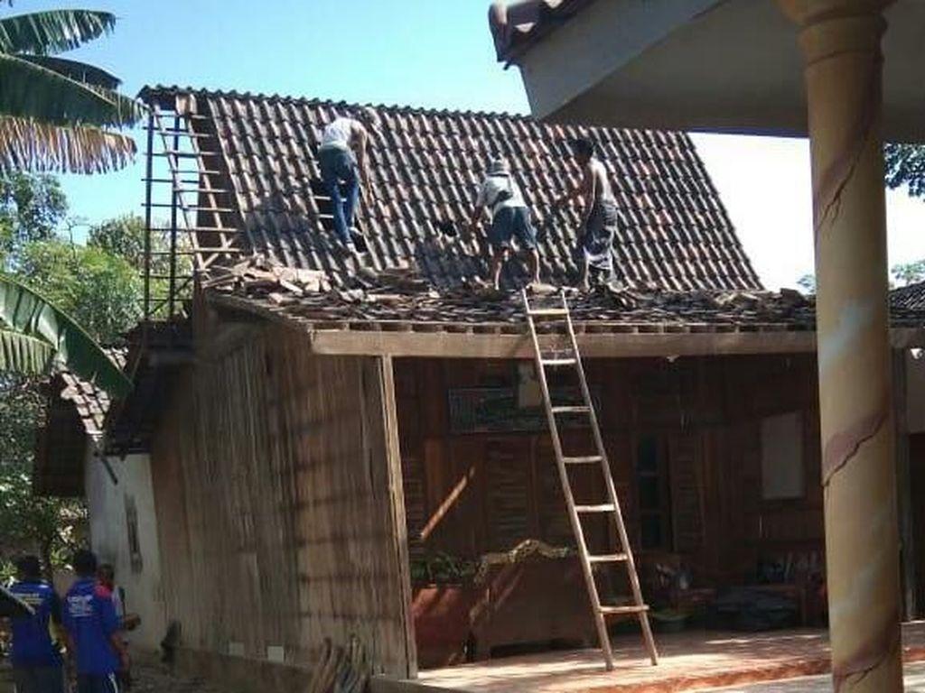 Tiga Atap Rumah di Situbondo Rusak Disapu Puting Beliung