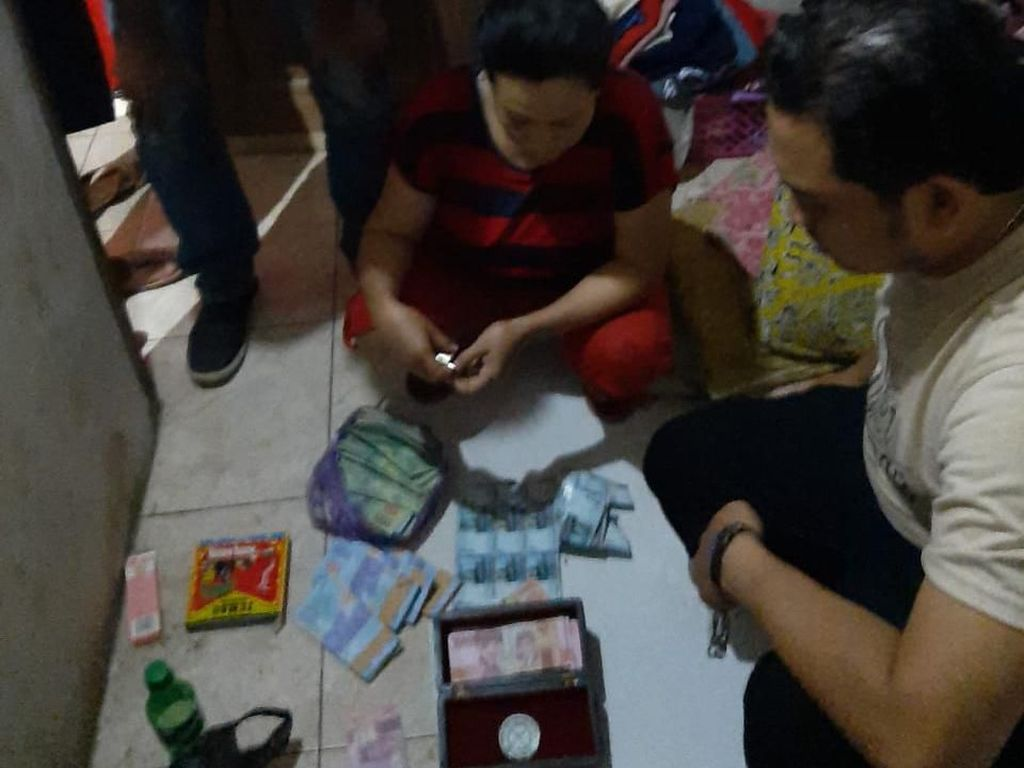 Polisi Amankan Uang Palsu Puluhan Juta Rupiah di Pekalongan