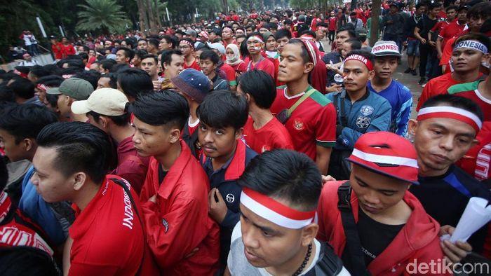 Indonesia terancam sanksi FIFA usai ricuh suporter di laga lawan Malaysia. (Foto: Agung Pambudhy)