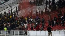 Polisi Kawal Pemain-Suporter Malaysia yang Tertahan di GBK