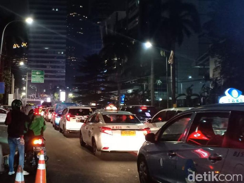 Usai Laga Sepakbola Indonesia vs Malaysia, Sisi Luar GBK Macet