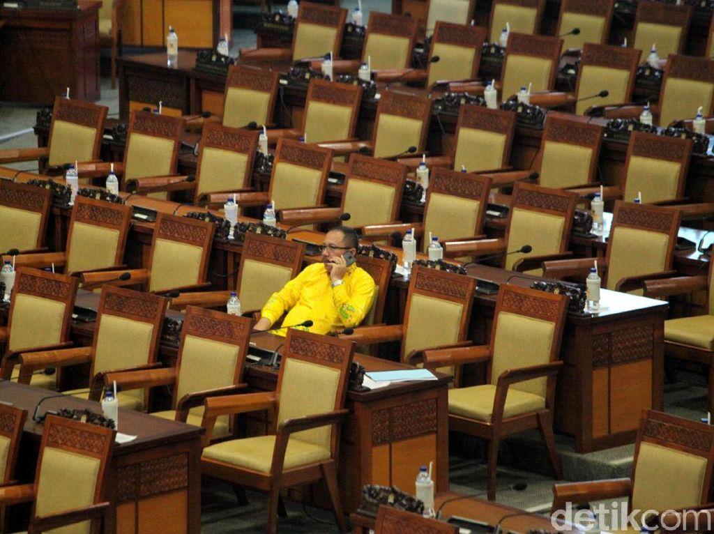 Sepi, Ratusan Anggota Dewan Tak Hadiri Paripurna DPR