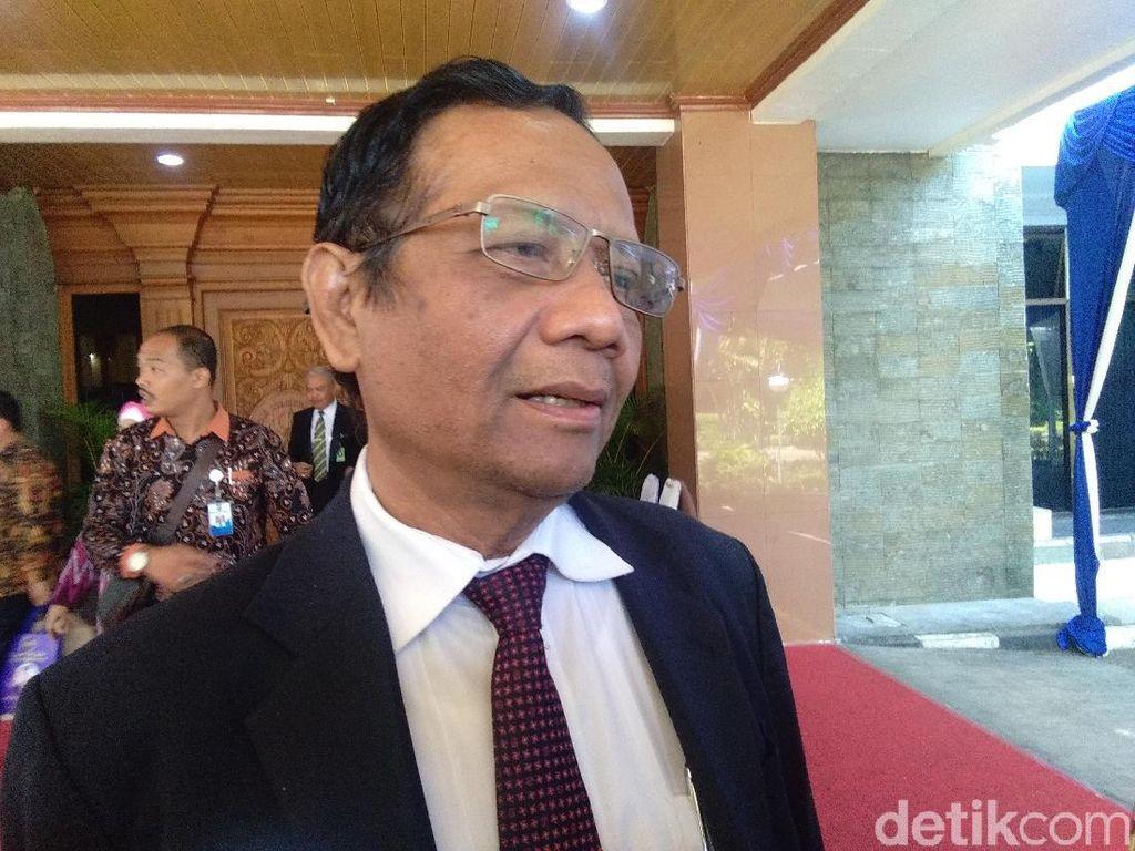 Mahfud Md Yakin Jokowi Punya Cara Hadapi Simalakama Perppu KPK