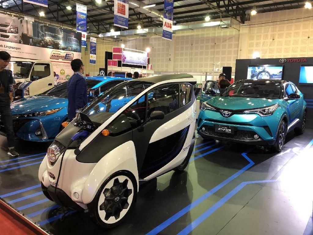 Aneka Kendaraan Elektrifikasi Toyota