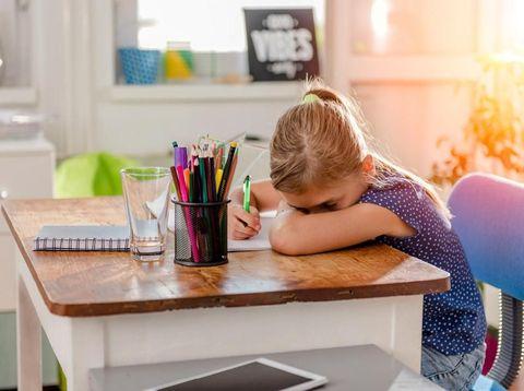 Ucapan Orang Tua untuk Menenangkan Anak yang Cemas