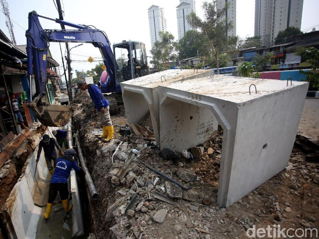 Pembangunan Gorong-gorong di Kemayoran Terus Dikebut