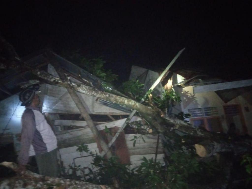 Angin Kencang Landa Aceh Utara, 13 Rumah Warga Rusak