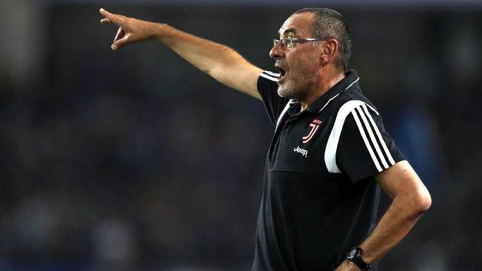 Maurizio Sarri kecewa karena pemain tak mengikuti instruksinya (Fred Lee/Getty Images)