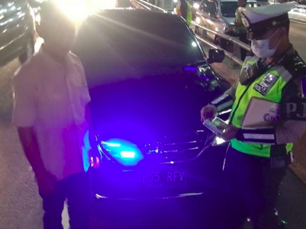 Kendaraan Pribadi dengan Strobo Bakal Ditindak, Ini Ancaman Hukumannya