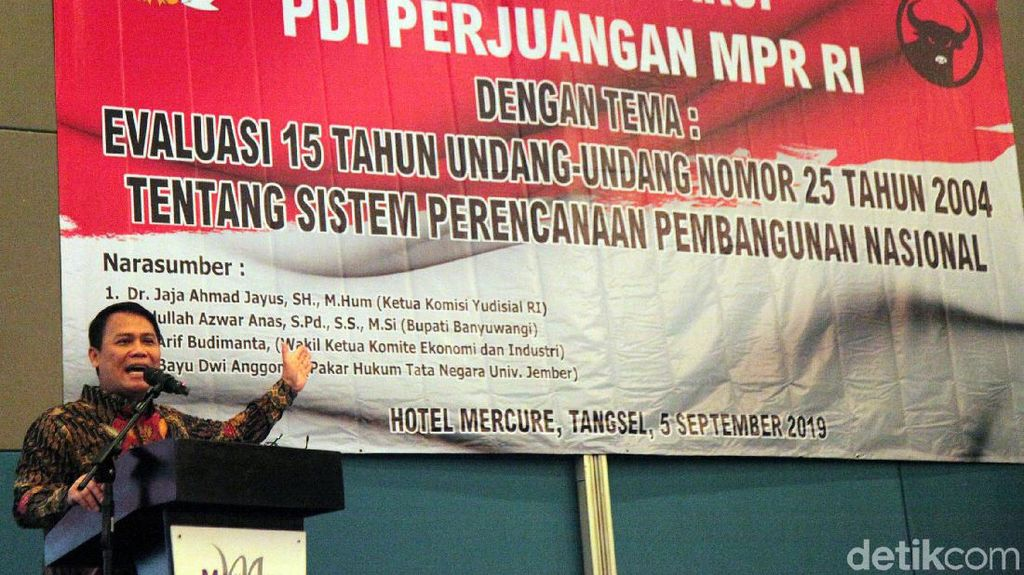 Ahmad Basarah Buka Seminar Fraksi PDIP MPR