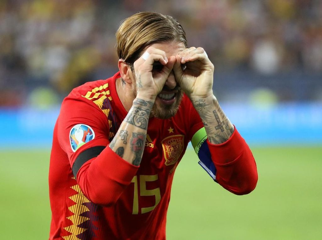 Wasit Salah Paham soal Selebrasi Kacamata Sergio Ramos