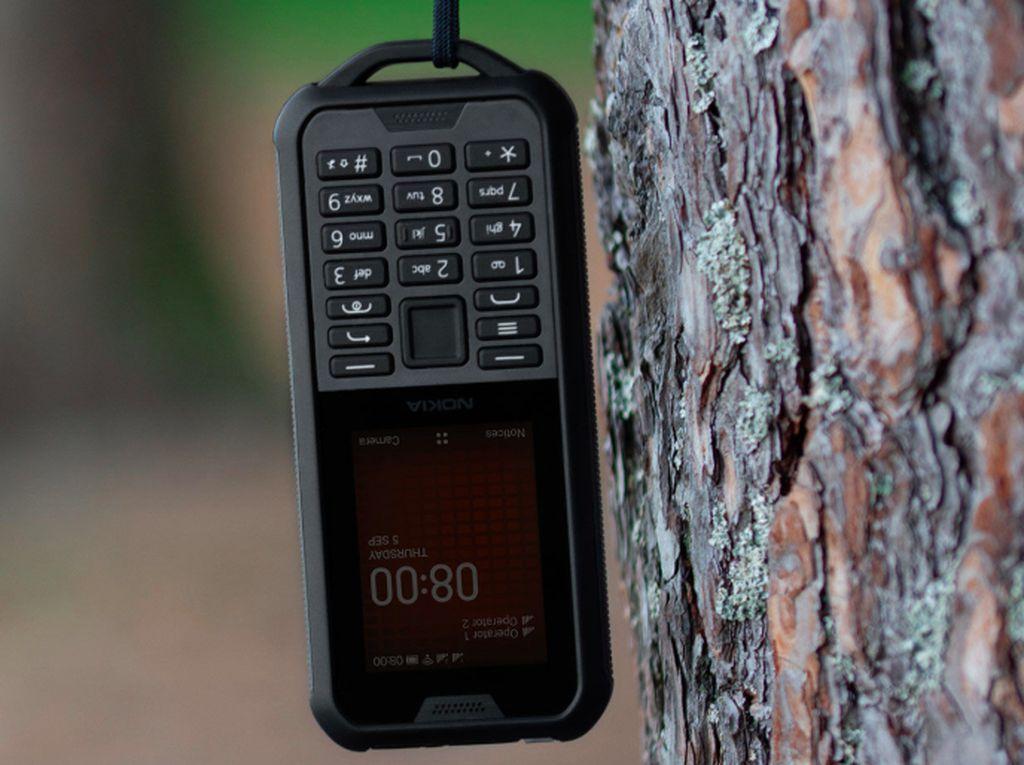 Nokia 800 Tough, Ponsel Badak yang Tahan Banting