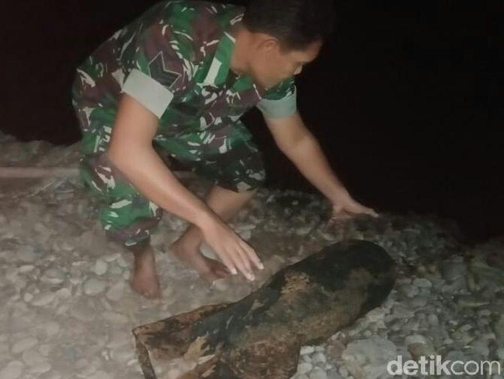 Seorang Pemancing Temukan Mortir Berkarat Sepanjang 1 Meter